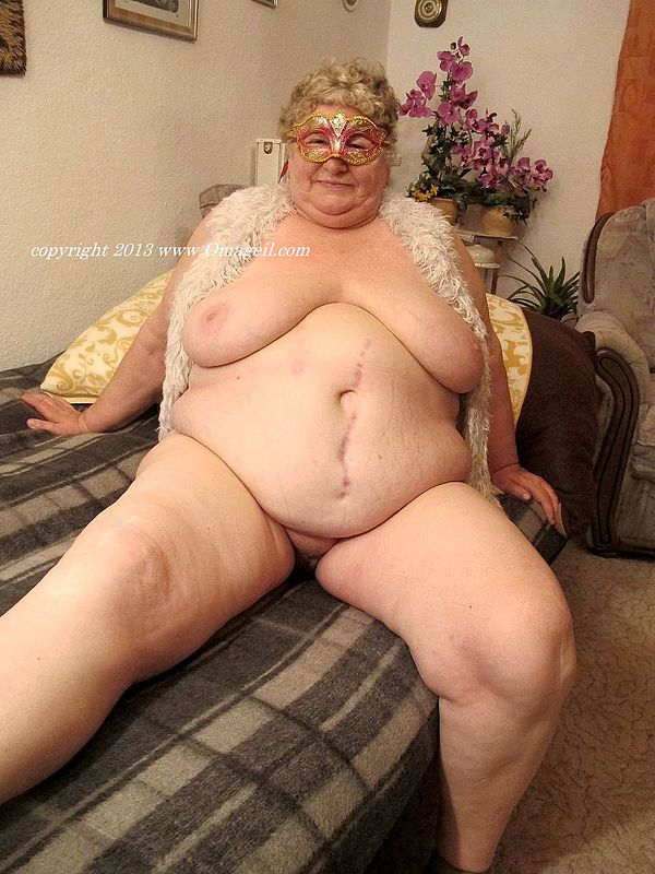 Older mature ssbbw with huge tits
