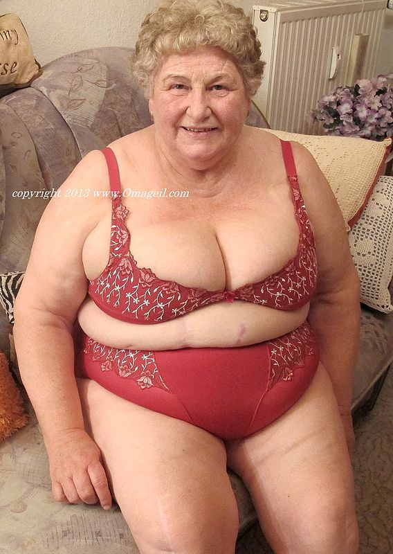 OmaGeil.com - Exclusive Granny Porn - MatureKingdom.com