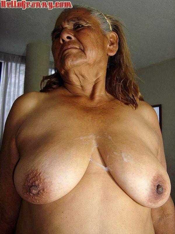 Грудь старых женщин