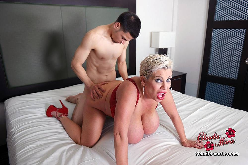 Saggy tit claudia marie impregnated by illegal immigrant - 2 part 7