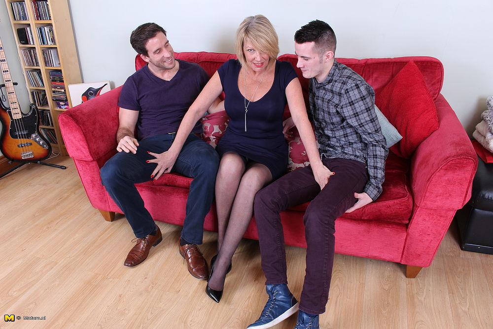 British mature threesome pics