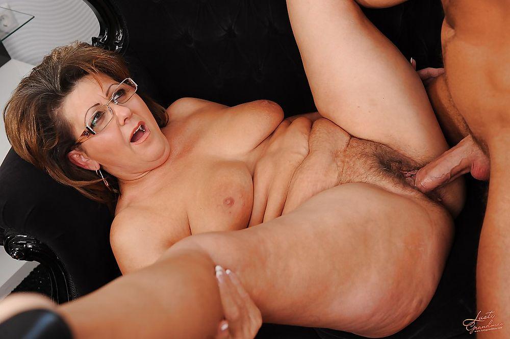 Ebony mature pantie