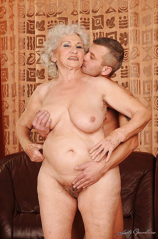 порно бабка и внук