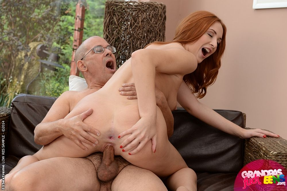 Wife watches husband take dick