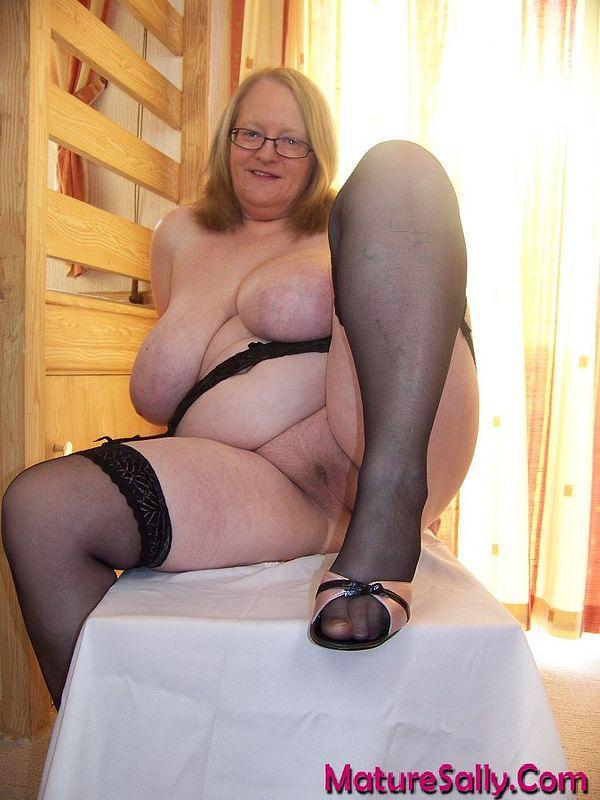 Fat lesbian milf