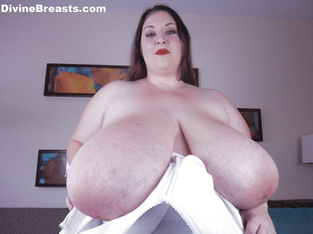 Divine breasts video — img 9