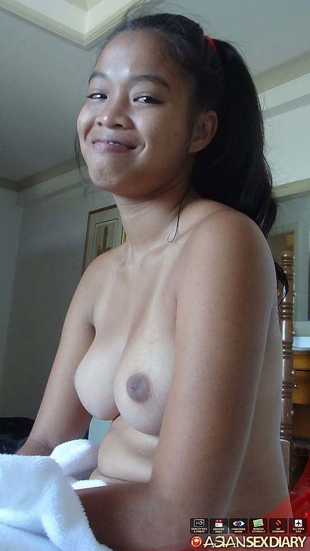 Cute Amateur Asian Blowjob