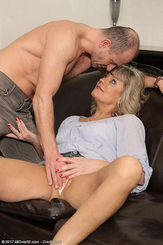 Amateur Mature Blonde Wife