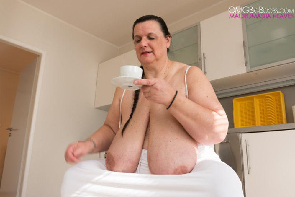 Omg! big soft bbw tits