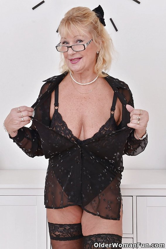 image Euro granny gigi is flaunting her fuckable body