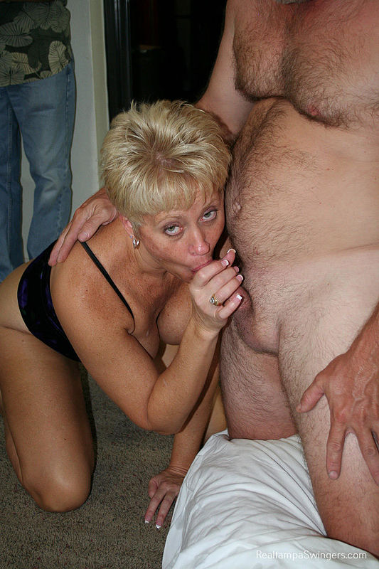 Amateur anal make her squirt
