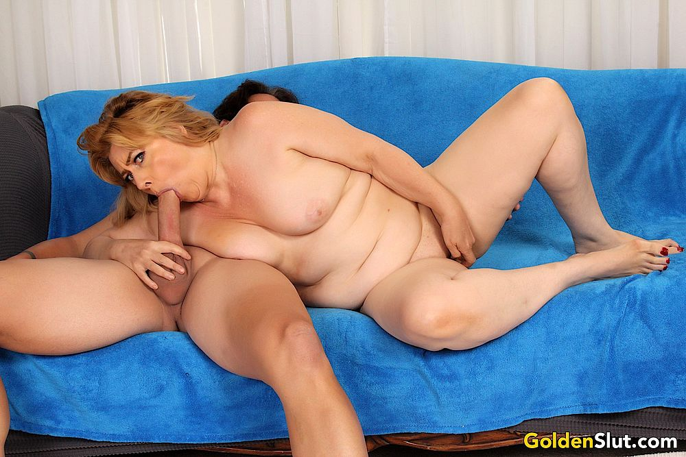 sexy old woman penny sue gets fucked good maturekingdom com
