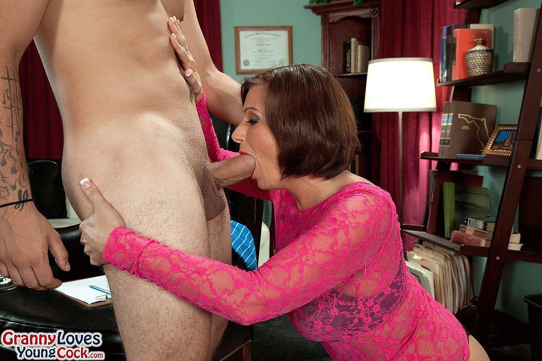 Seductive brunette whore natasha nice gives rapacious blowjob to horny daddy