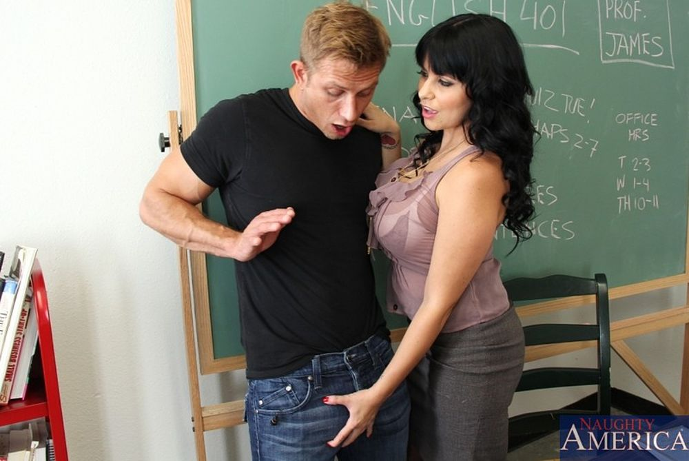 Lori lust gets a young black stud - 1 7