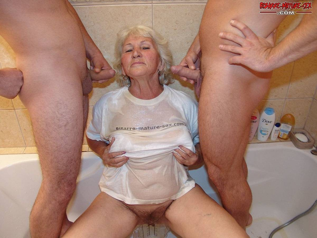 Bizarre mature sex pissing