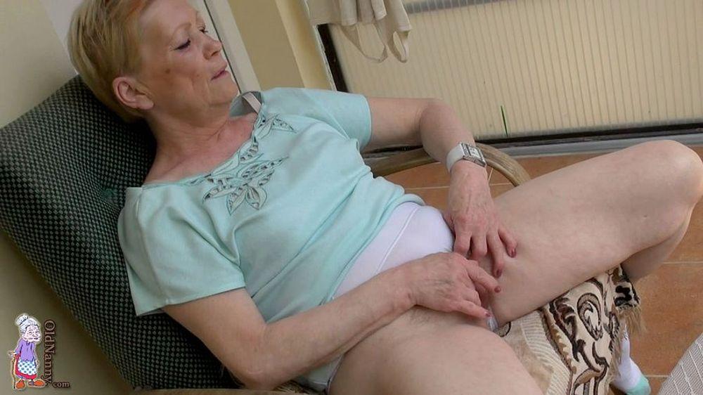 Old Nanny Porno