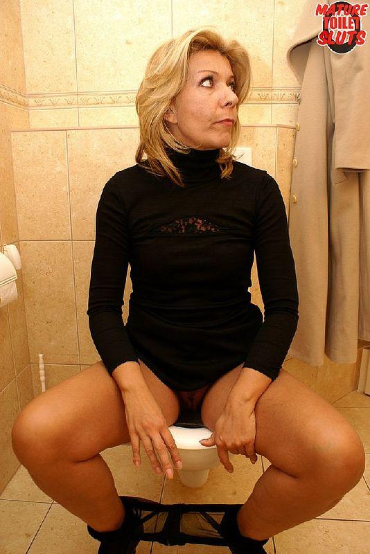 Mature sluts fucking on toilet