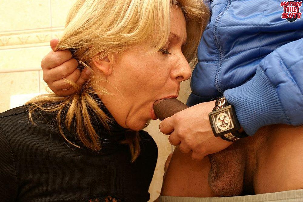 German blonde milf bathroom deepthroat