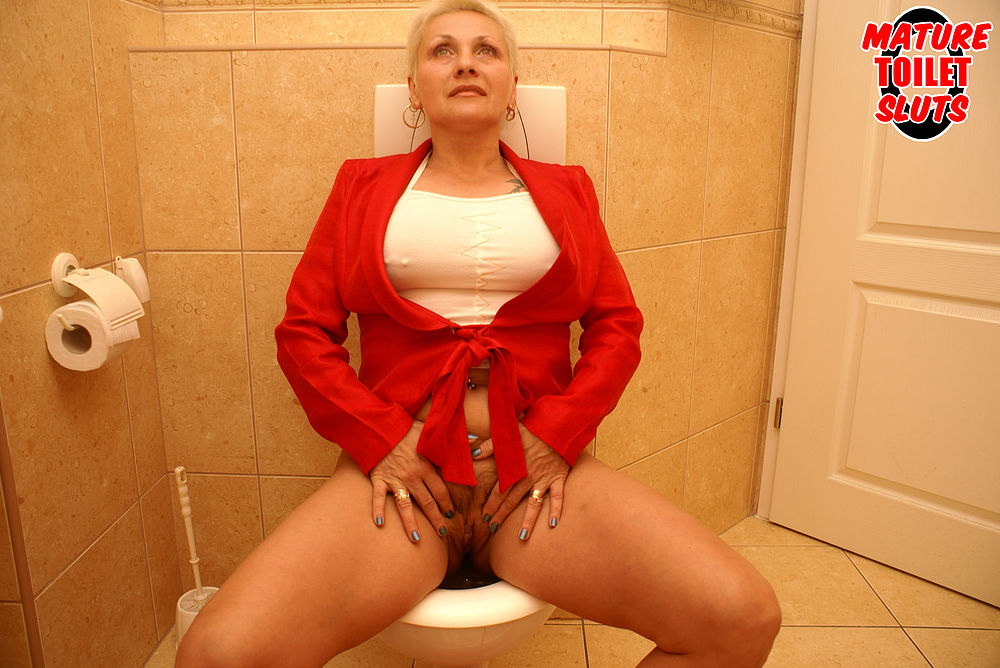 mature toilet sluts