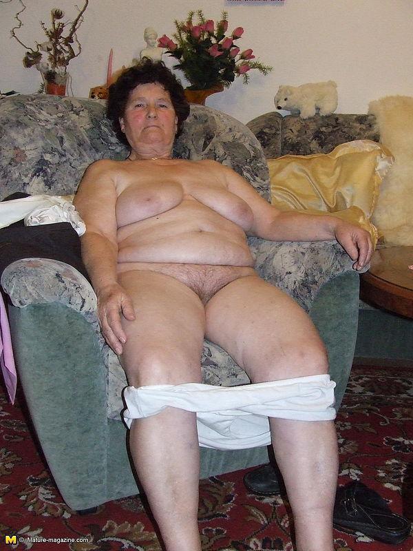 Kinky μαμά πορνό όργιο γυμνά