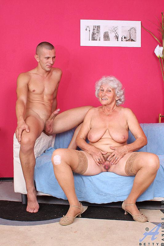 Порно самая старая женщина 66393 фотография