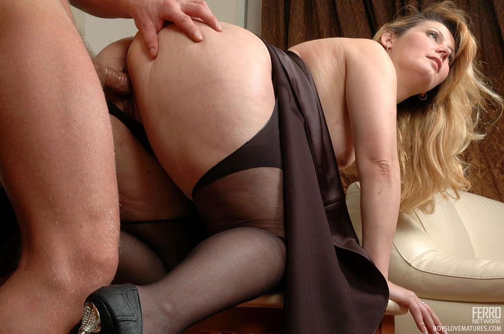 Порно фото матюрок в чулках