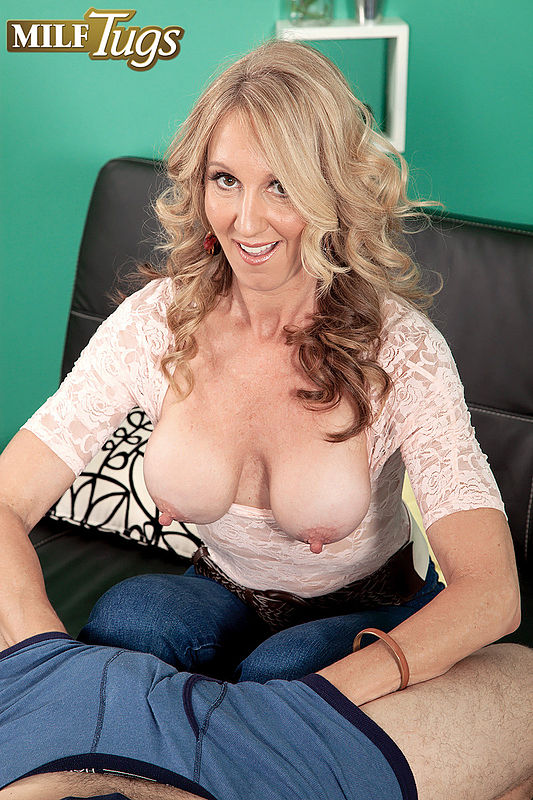 Milf Tugs Picture