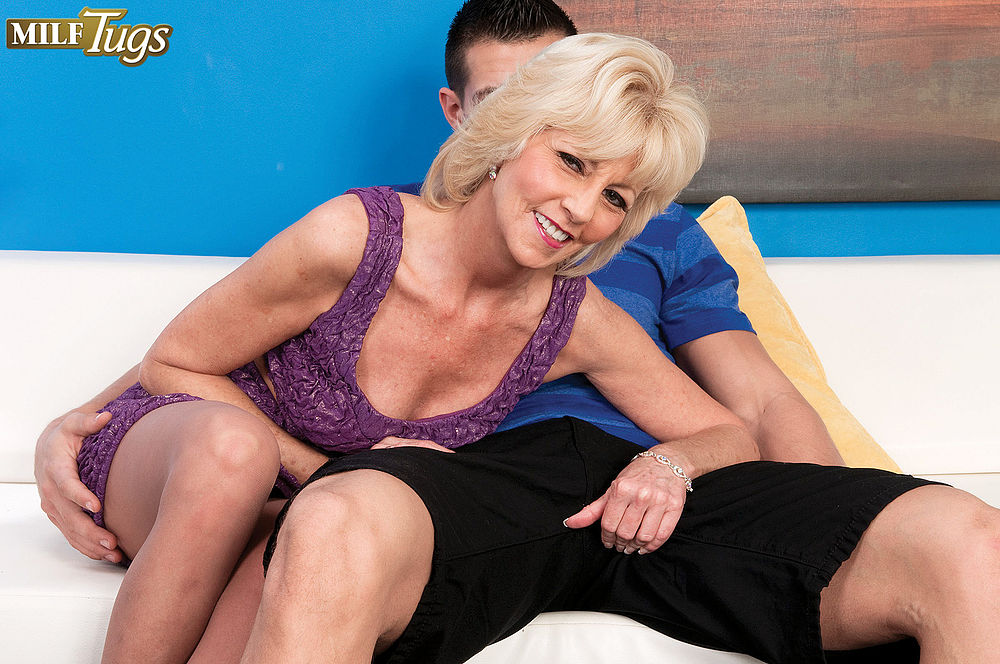Milf Tugs Picture Milf Tugs Picture
