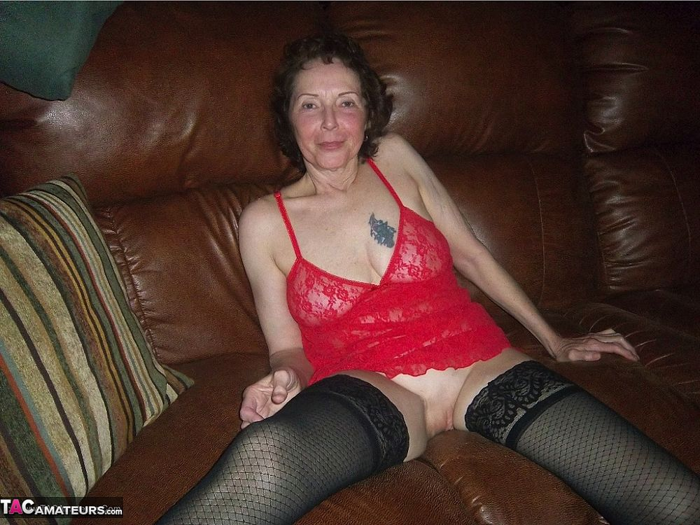 67 year old cougar creampied by her 30 year old cub 6