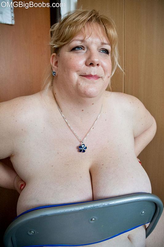 OMG Big Boobs - MatureKingdom.com