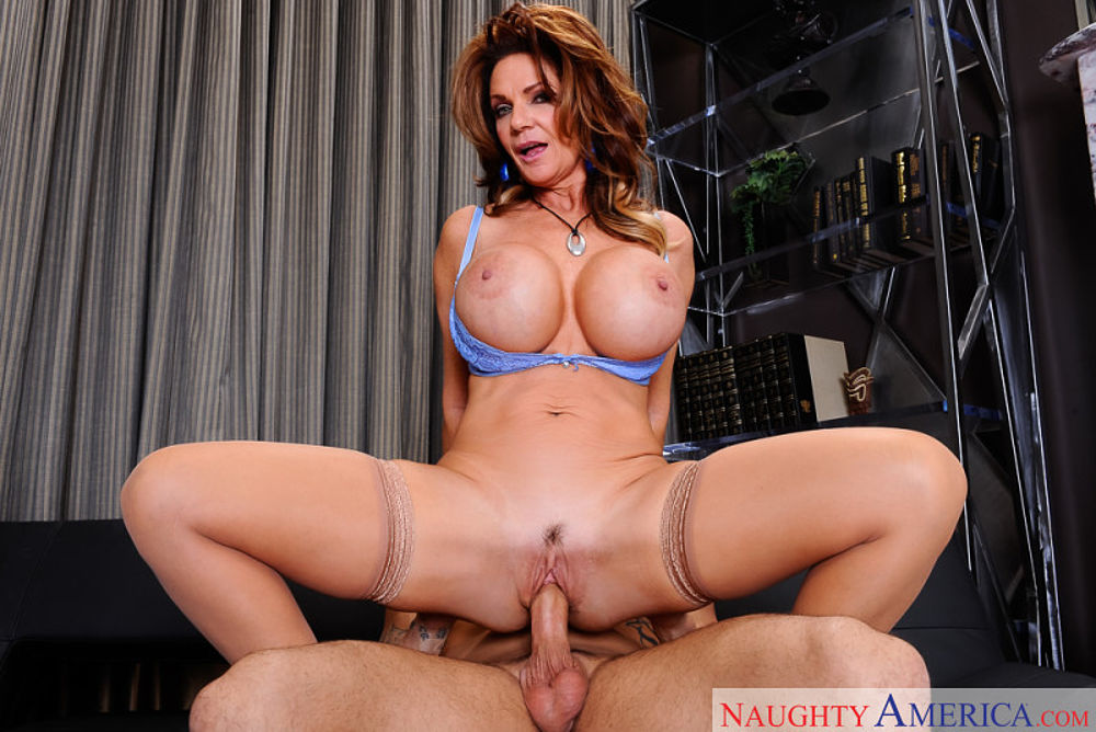 Deauxma naughty america cougar